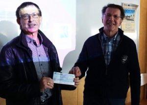 Remise d'un chèque de claude Trullen président du ROTARY-CLUB de Rodez
